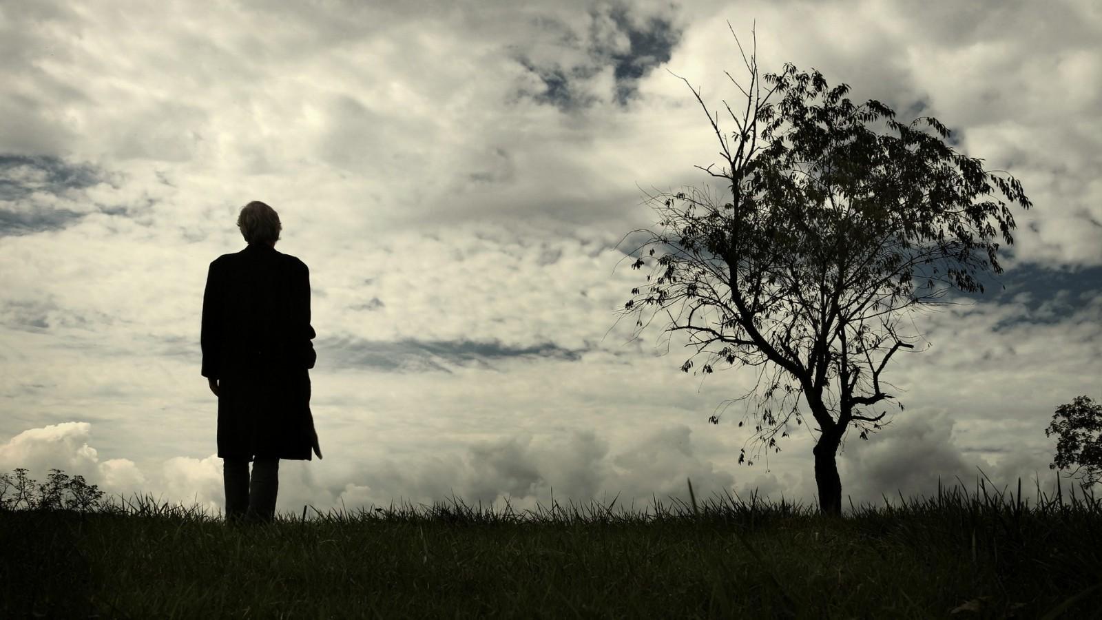 تنهایی یعنی این