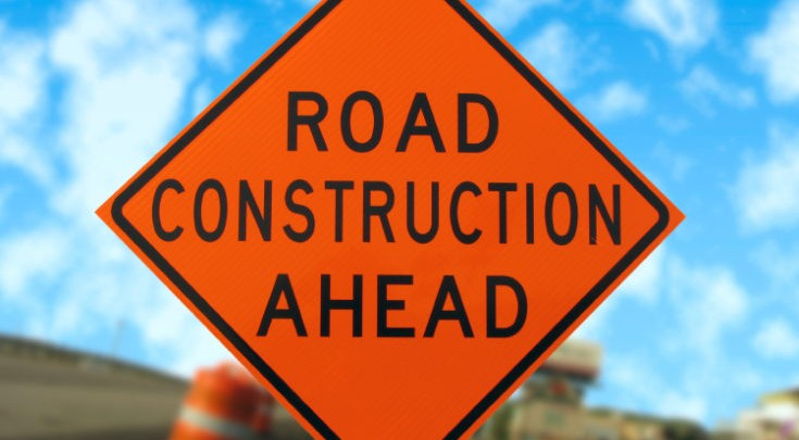 جاده در دست تعمیر است